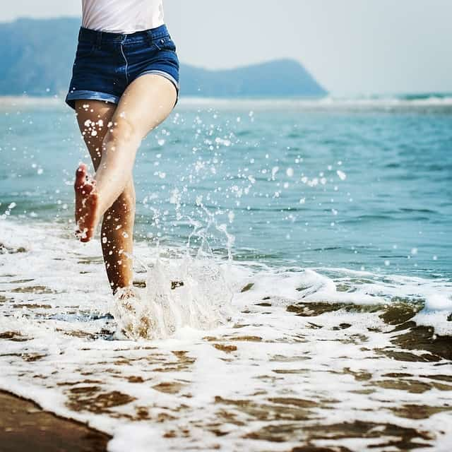 Tips To Ensure You Have Healthy Feet #happy #feet #healthy #health #happyfeet #care #footcare #beverlyhills #bevhillsmag