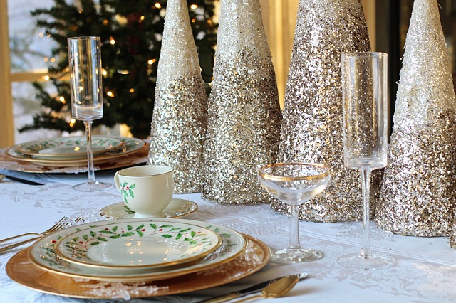 4 Ways To Celebrate The Holidays In Style #christmas #parties #holidays #holidayparty #beverlyhills #bevhillsmag #beverlyhillsmagazine