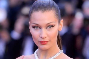 Celebrity Spotlight: Bella Hadid #hollywood #hollywoodspotlight #celebrity #celebrities #moviestars #movies #tvshows #famouspeople #beverlyhills #beverlyhillsmagazine #bellahadid