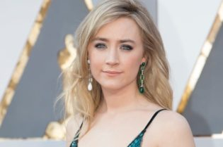 Hollywood Spotlight: Saoirse Ronan #hollywood #hollywoodspotlight #celebrity #celebrities #moviestars #movies #tvshows #famouspeople #beverlyhills #beverlyhillsmagazine #saoirseronan