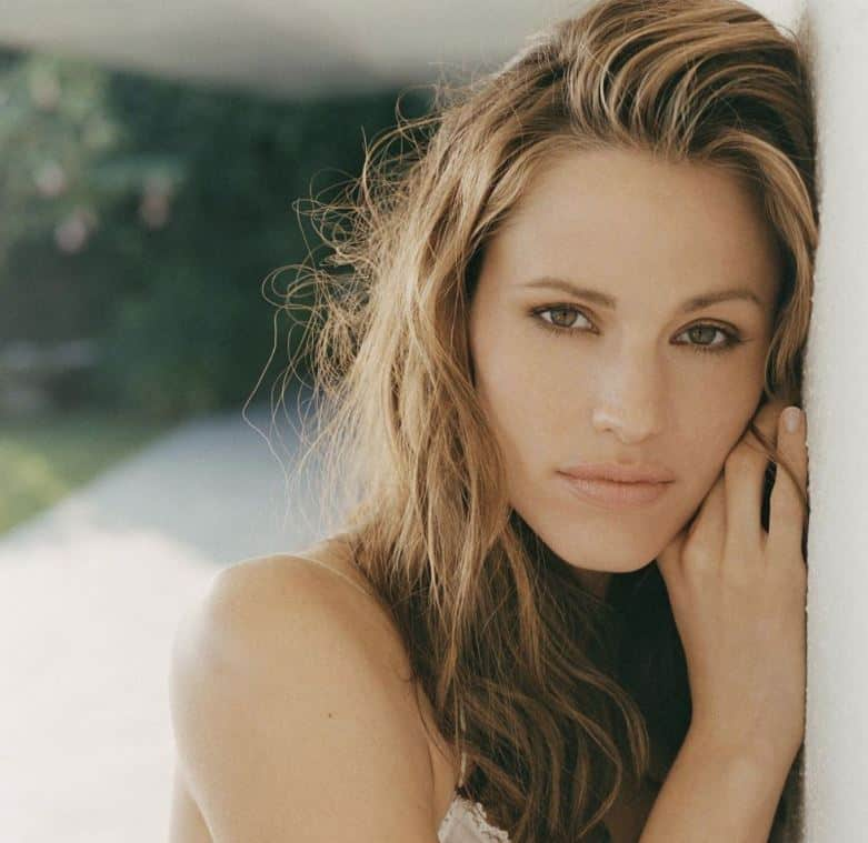 Hollywood Spotlight: Jennifer Garner #HollywoodSpotlight #hollywood #moviestars #famous #actress #beautiful #celebrity #entertainment #celebrityoftheweek #movies #celebrities #elektra #jennifergarner #beverlyhills #BevHillsMag