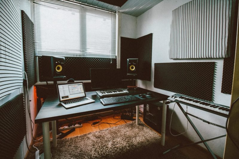 how to equip your music studio:#beverlyhills #beverlyhillsmagazine #musicstudio #musicstudio #homestudio #music #musicalinstruments #digitalkeyboard #computers