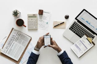 Tips For Smart Investing To Build Wealth #money #bitcoin #cryptocurrency #wealth #beverlyhills #beverlyhillsmagazine #investing #invest #investment #financialadvisor #bevhillsmag