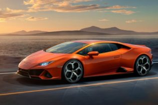 Sporty-Fast Car: The Lamborghini Huracan#cars#car magazine#car#dream car#fast cars#luxury cars#beverly hills#beverly hills magazine#