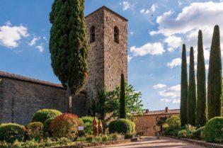 An Italian Holiday at Castello di Spaltenna #travel #fivestarhotels #luxuryhotel #vacation #exclusivegetaway #beverlyhillsmagazine #beverlyhills #castellodispaltenna