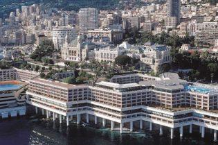 A Glamorous Vacation at Fairmont Monte Carlo #travel #fivestarhotels #luxuryhotel #vacation #exclusivegetaway #beverlyhillsmagazine #beverlyhills