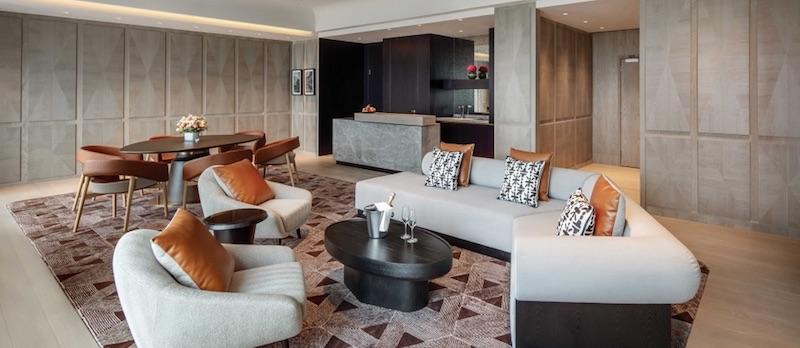 An Exotic Vacation at Fairmont Singapore #travel #fivestarhotels #luxuryhotel #vacation #exclusivegetaway #beverlyhillsmagazine #beverlyhills