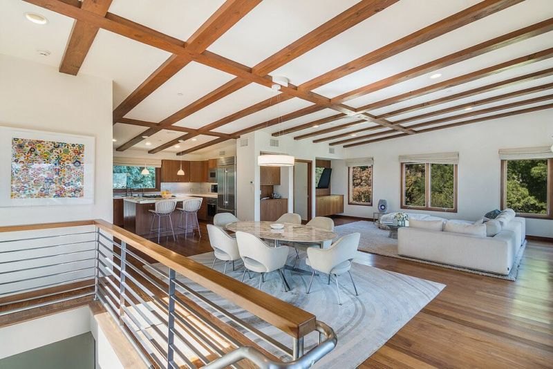 Sex and the City's Kristin Davis's Brentwood Home #dreamhomes #realestate #homesforsale #Madrid #mansions #estates #beverlyhills #beverlyhillsmagazine #luxury #exclusive #luxurylifestyle #beautiful #life #beverlyhills #BevHillsMag