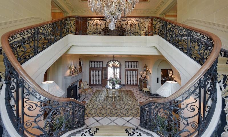 A Historic Luxury Home in Wisconsin #luxury #realestate #homesforsale #dreamhomes #beverlyhills #bevhillsmag #beverlyhillsmagazine