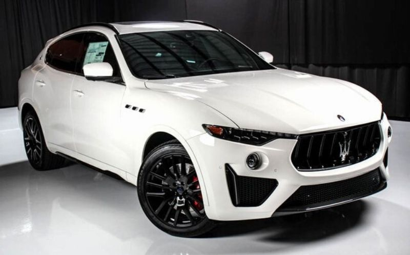 Luxury SUV: The 2019 Maserati Levante GTS #luxurycars #dreamcars #fastcars #cars #coolcars #carmagazine #beverlyhills #beverlyhillsmagazine #bevhillsmag #maserati #maseratilevantegts #leventegts