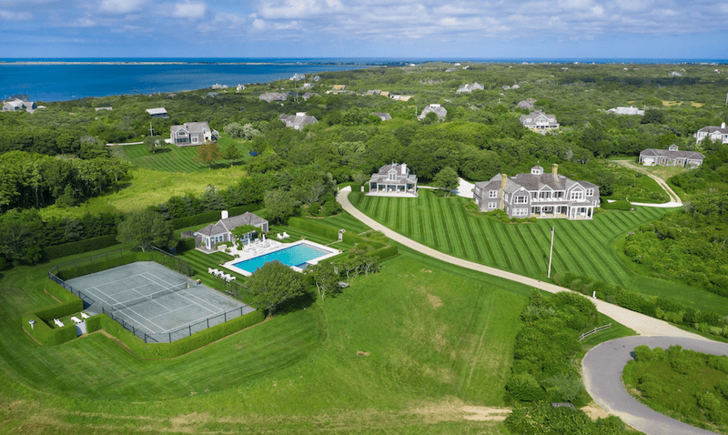 A Seaside Estate on Nantucket Island #luxury #realestate #homesforsale #dreamhomes #beverlyhills #bevhillsmag #beverlyhillsmagazine