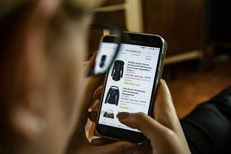 7 Things To Remember When Shopping Online #shop #shopping #online #internet #buyonline #buy #bevelryhills #beverlyhillsmagazine