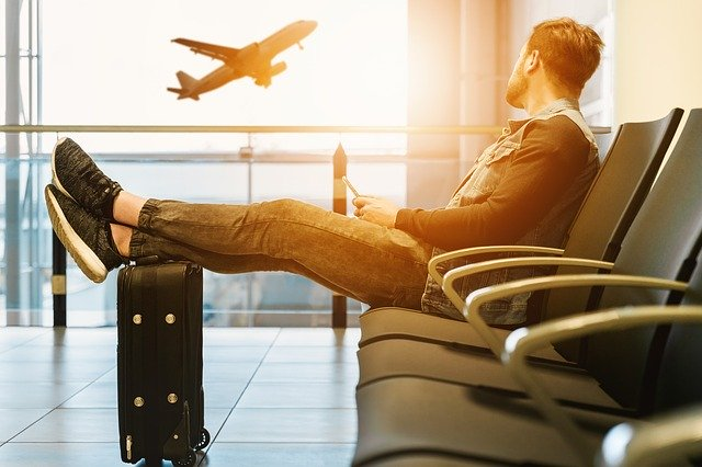5 Ways To Reduce Anxiety On Airplane Flights