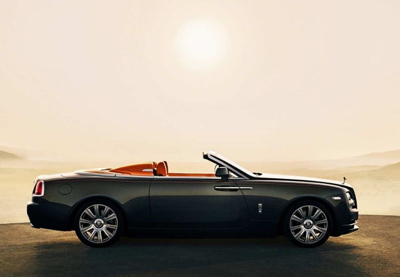 Rolls-Royce Luxury Car: The Convertible Dawn #luxury car #cars #carmagazine #fastcars #dreamcars #coolcars #car #beverlyhills #beverlyhillsmagazine #bevhillsmag #rollsroyce #rollsroycedawn #dawn