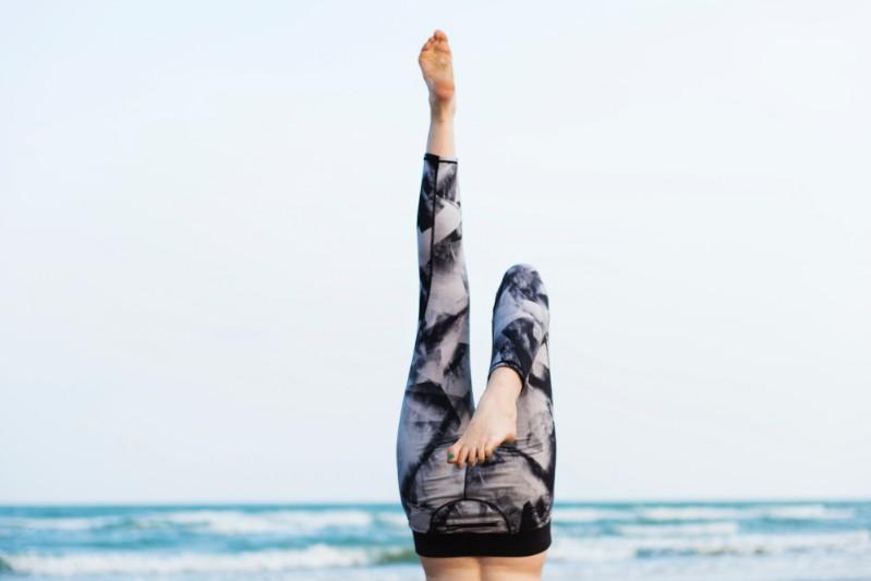 Tips to Find Good Leggings #bevhillsmag #beverlyhillsmagazine #leggings #clothing #material #style #design #size