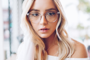 How to Appropriately Style Transparent Glasses #fashion #style #glasses #eyeglasses #bevhillsmag #beverlyhills #beverlyhillsmagazine