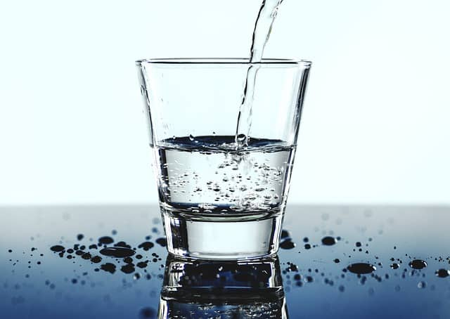 5 Reasons To Install A Water Filter Now #cleanwater #water #tapwater #health #healthylife #healthy #healthyliving #beverlyhills #bevhillsmag #beverlyhillsmagazine