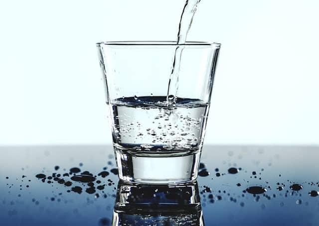 5 Reasons To Install A Water Filter Now #cleanwater #water #tapwater #health #healthylife #healthy #healthyliving #beverlyhills #bevhillsmag #beverlyhillsmagazine
