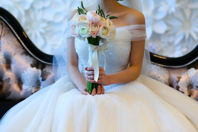 4 Tips To Save Money On Your Wedding Dress #shop #fashion #wedding #bridetobe #weddingdress #bevhillsmag #beverlyhills #dresses #style