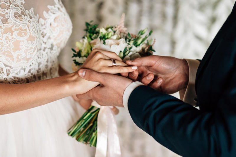 How To Plan An Affordable Wedding #wedding #weddingplanning #bidetobe #love #marriage #engagement #bevhillsmag #beverlyhills #beverlyhillsmagazine