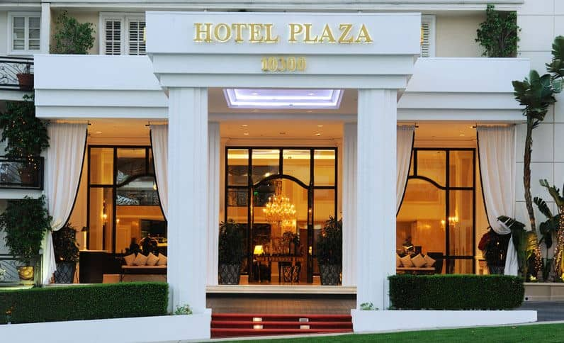 Beverly Hills Plaza Hotel in the Heart of the City #beverlyhills #hotels #bucketlist #plazahotel #luxuryhotels #vacation #losangeles #beverlyhillsmagazine #bevhillsmag