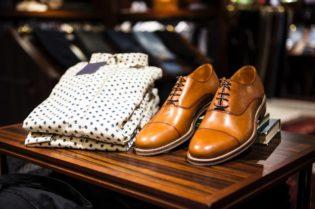 5 best men's shoe brands for your boujee lifestyle: #shoebrands #mensshoes#beverlyhills # mensfashion #beverlyhillsmagazine #Gucci #Nike #bottegaveneta #celinetriomphe #saintlaurent #mensshoes