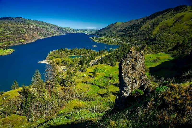 Travel to Columbia River Gorge #vacation #travel #beverlyhills #beverlyhillsmagazine #bucktelist #bevhillsmag #vacations