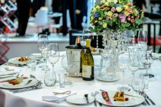 How To Host Unforgettable Corporate Events #business #success #bevhillsmag #beverlyhillsmagazine #beverlyhills