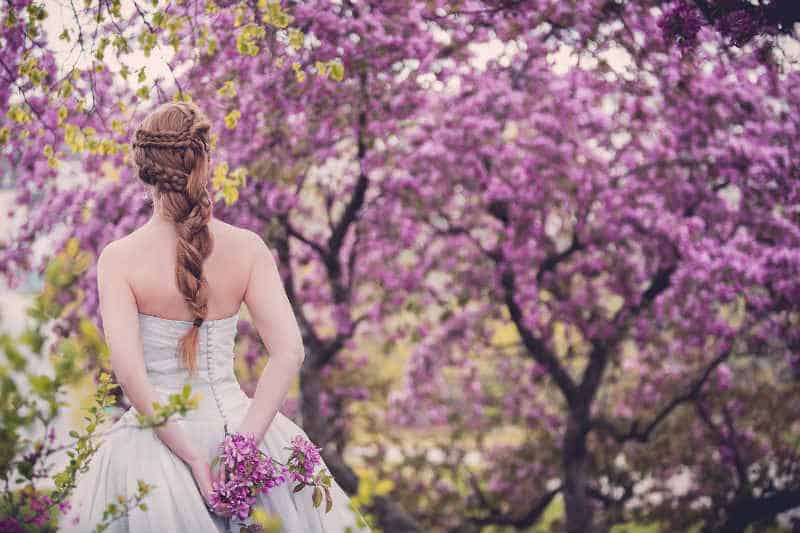 How To Plan A Wedding On A Budget #love #marriage #weddings #weddingplanner #weddedbliss #bride #groom #weddingplan #beverlyhills #beverlyhillsmagazine #bevhillsmag