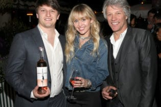 Jon Bon Jovi and Jesse Bongiovi Launch Hampton Water Wine #celebrities #events #BevHillsMag #beverlyhills #beverlyhillsmagazine #wine #jonbonjovi #mileycyrus