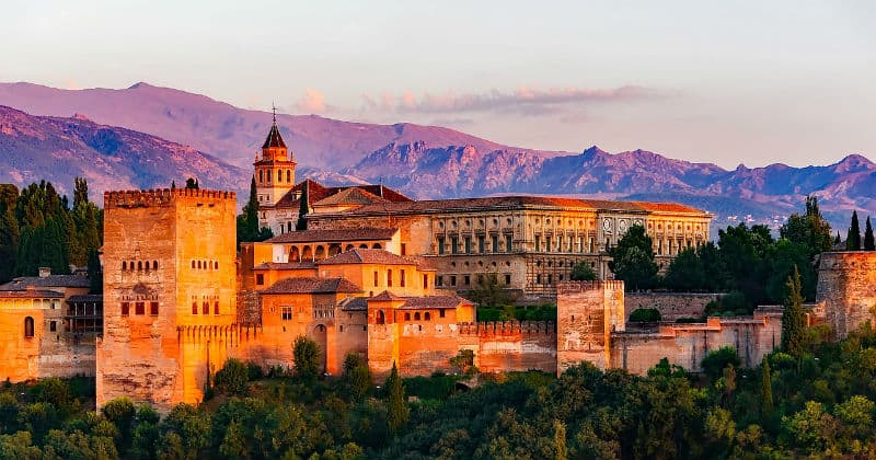 How to Enjoy Your Trip to Spain to the Fullest #travel #spain #espana #europe #vacations #bucketlist #beverlyhillsmagazine #bevhillsmag #beverlyhills