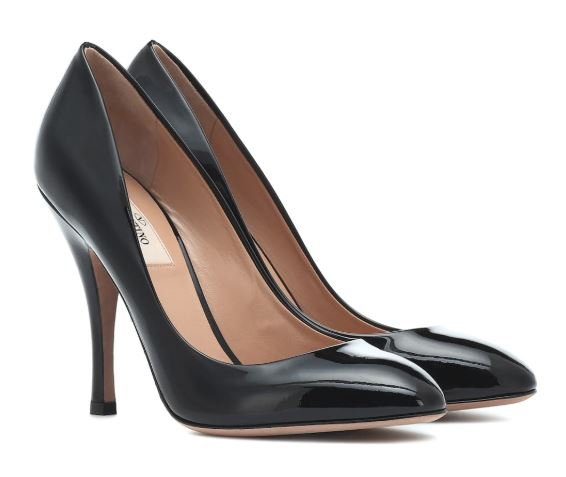 Valentino Leather Pumps. BUY NOW!!! #fashion #style #shop #shopping #clothing #beverlyhills #dress #shoes #boots #beverlyhillsmagazine #bevhillsmag #shoes #boots